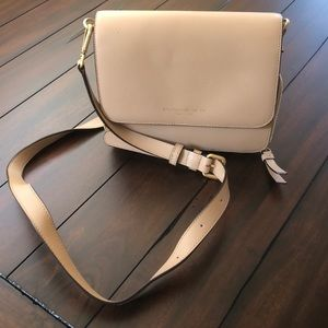 Great neutral purse